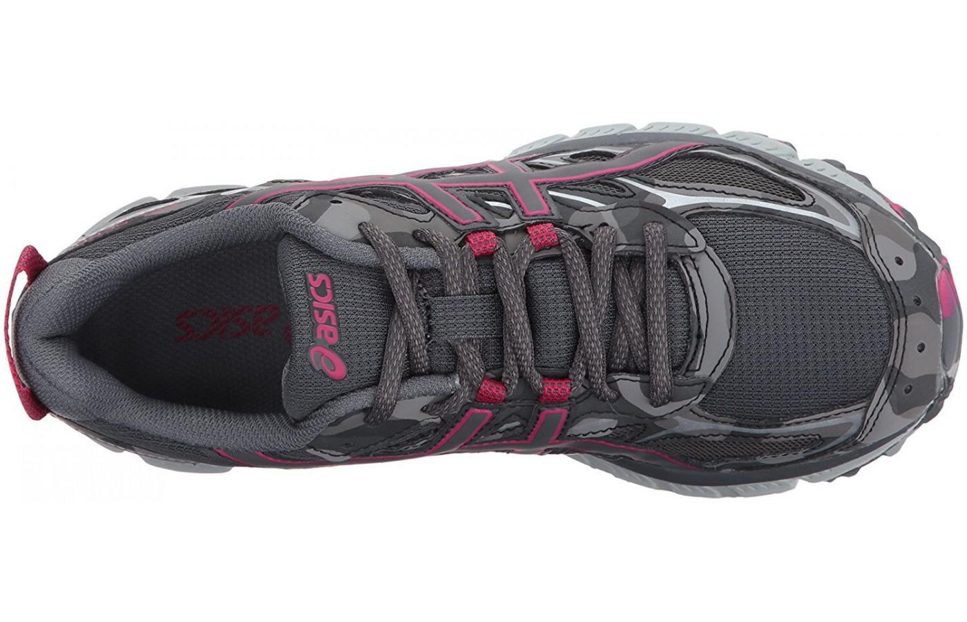 the breathable mesh upper keeps the foot cool and dry.