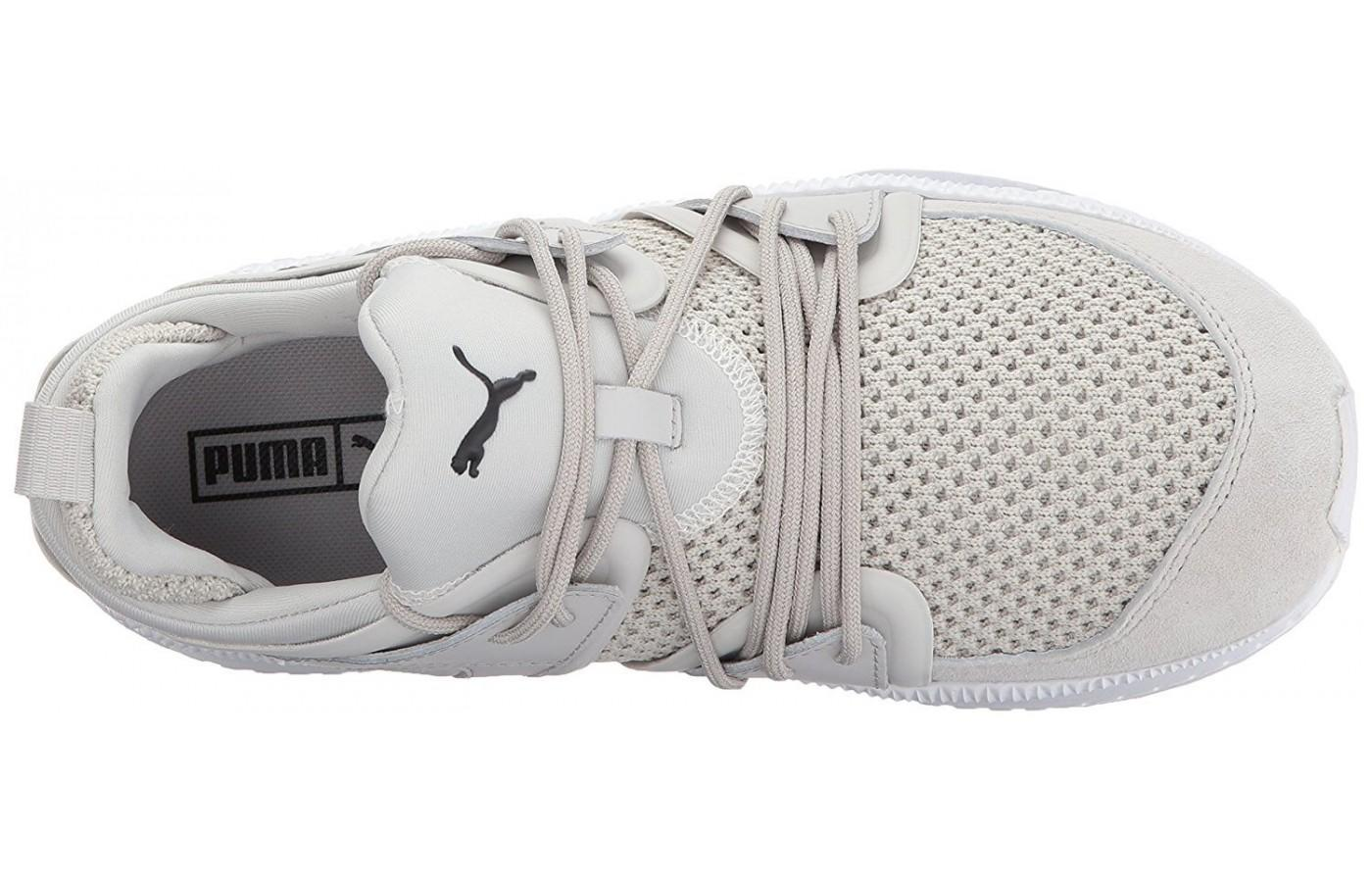 Crisscrossing cables keeps the feel secure without the use of laces.