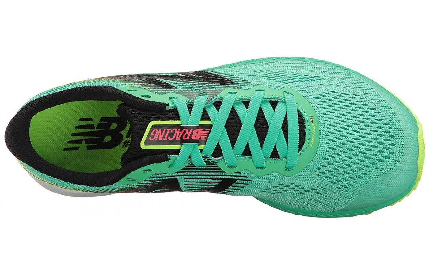 The upper of the New Balance 1400v5 features engineered mesh for breathability