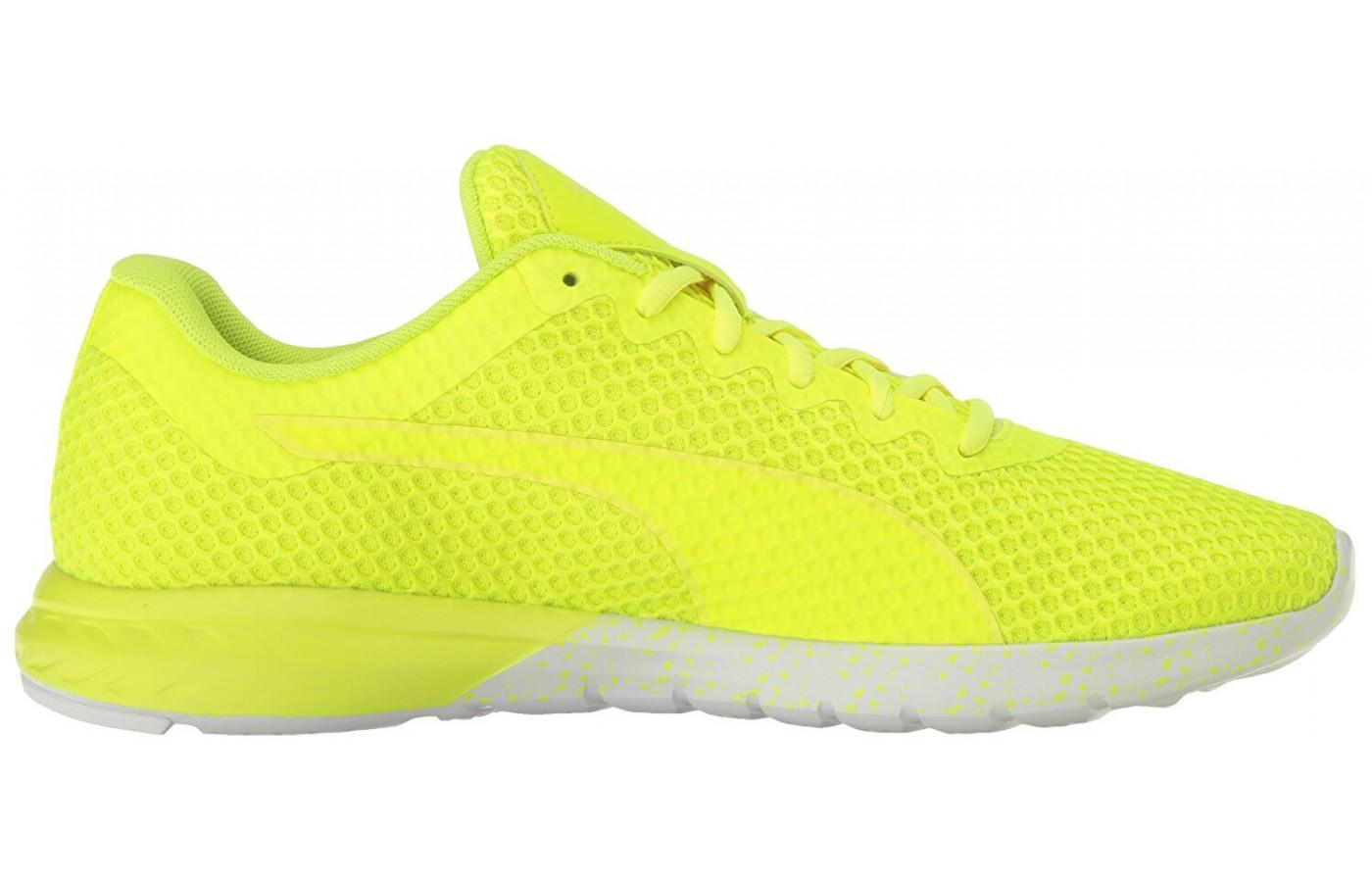 The Puma Vigor Mono has a seamless feeling mesh upper with bonded overlays