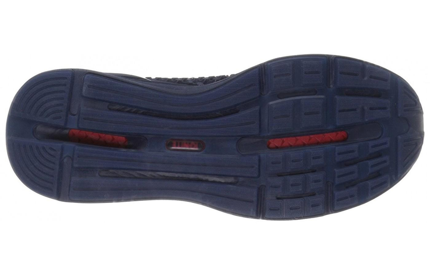 The traction on the underfoot makes this a great choice for courts or fitness classes.