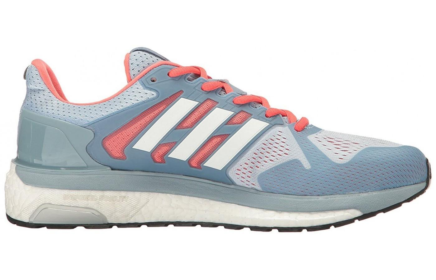 The longer medial guiderail and heel post help with pronation issues in this stability shoe.