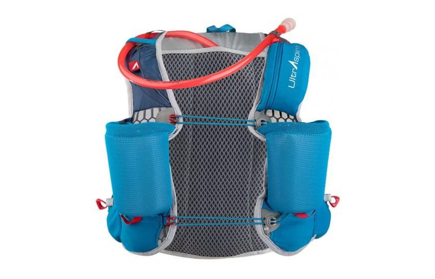 the UltrAspire Zygos 2.0 Vest guarantees a secure, comfortable fit and offers great security of much-needed acccessories while on a long-distance run