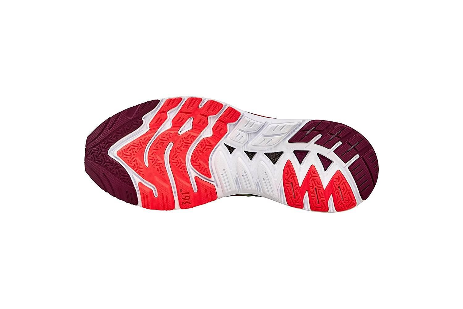 The outsole of high abrasion rubber offers reliable traction