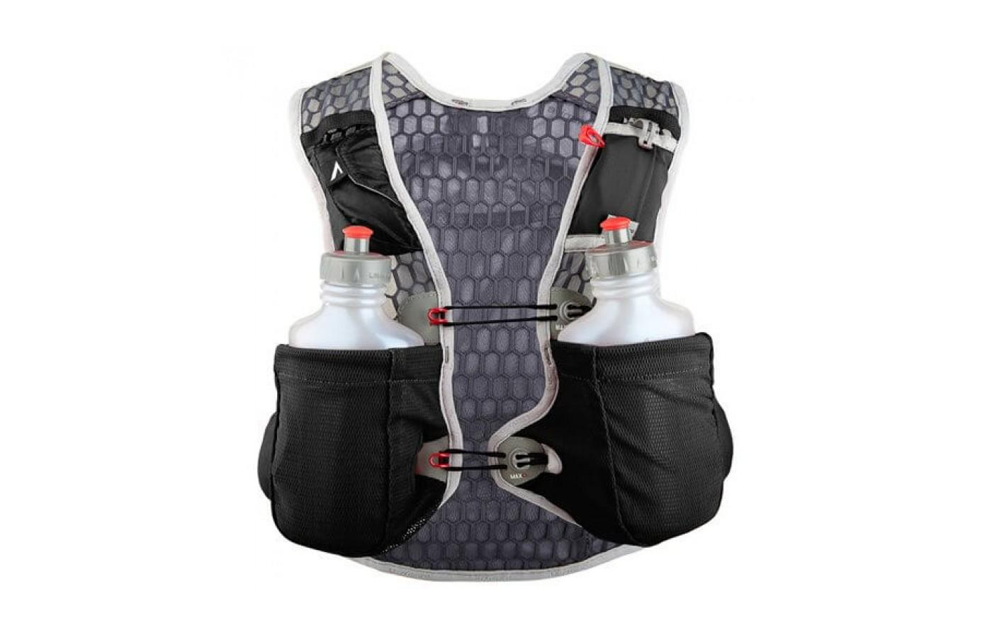 2 UltraFlask 550 water bottles are included with the UltrAspire Alpha 3.0 Vest.