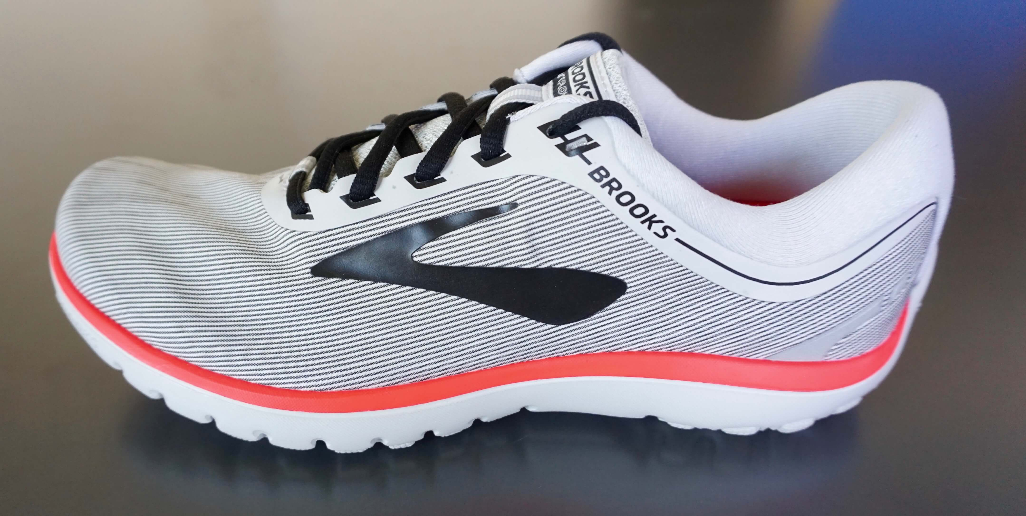 the best brooks running shoes reviewed in 2019 runnerclick. Black Bedroom Furniture Sets. Home Design Ideas