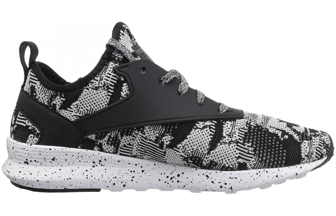 Some extra midfoot stability is provided on the Reebok Zoku Runner to help with overpronation.