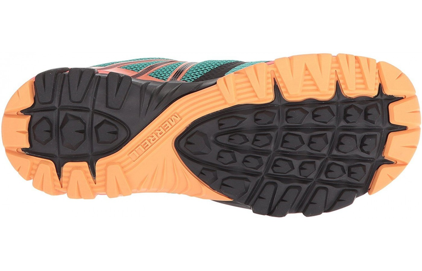 The outsole features 3.5 mm deep lugs