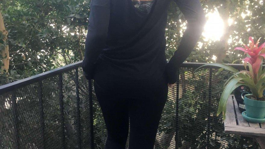 A Review of the Peek-A-Breeze Long Sleeve and Squeeze Play Capri from Handful.