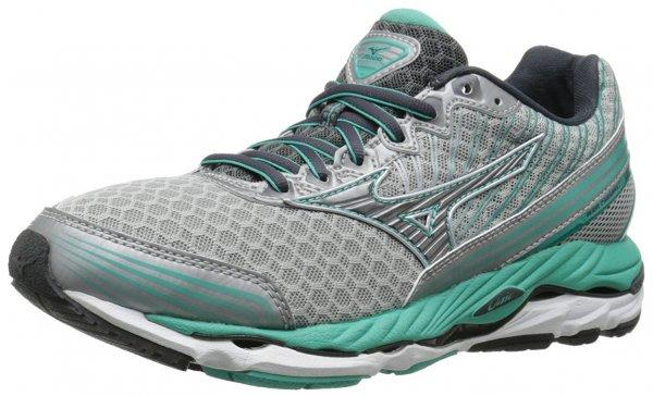 An in depth review plus pros and cons of the Mizuno Wave Paradox 2