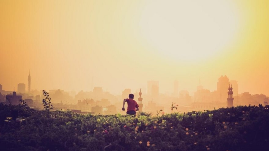 How to be smart about running in a polluted area.