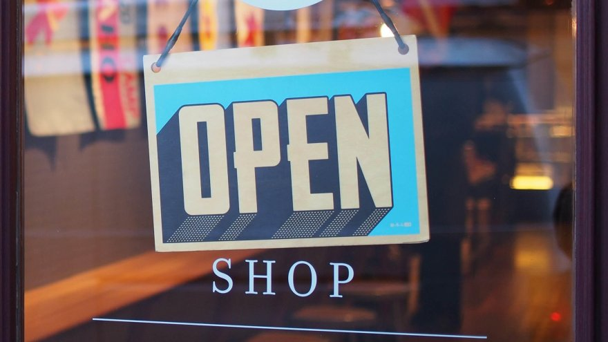 alternative to shopping at specialty retail stores