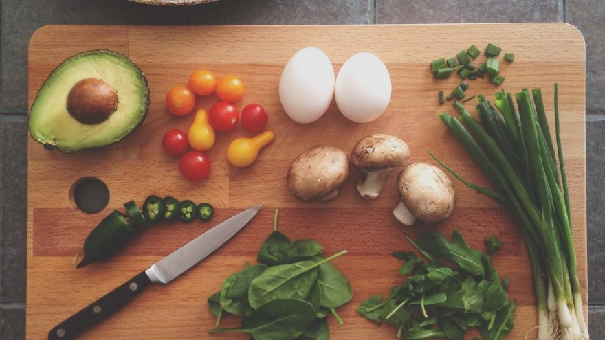 Is a Paleo, Low-Carb-High-Fat Diet Suitable for Runners?