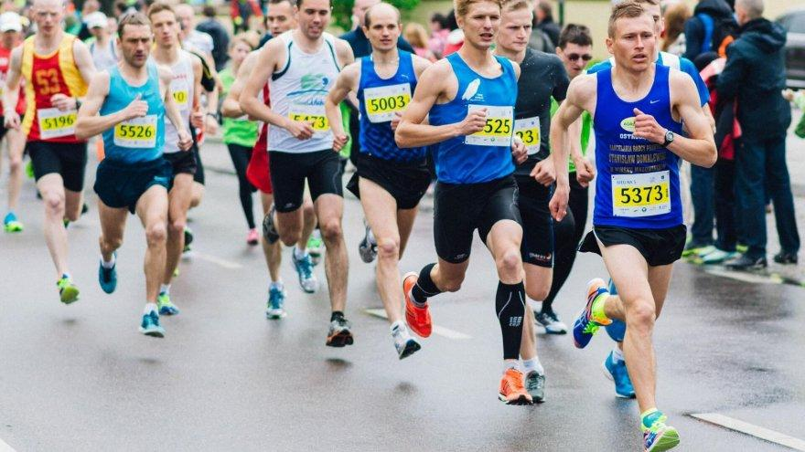 Running After a Race: The Reverse Taper