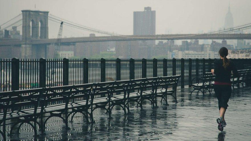 An article on How to survive and embrace rainy runs.