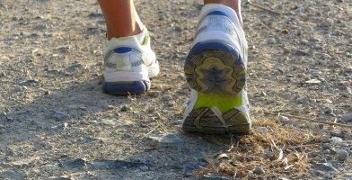 here are the differences between walking shoes and running shoes