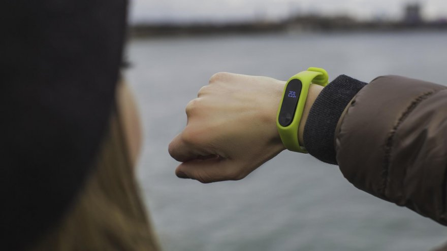 Things to consider when choosing the right fitness tracker for you